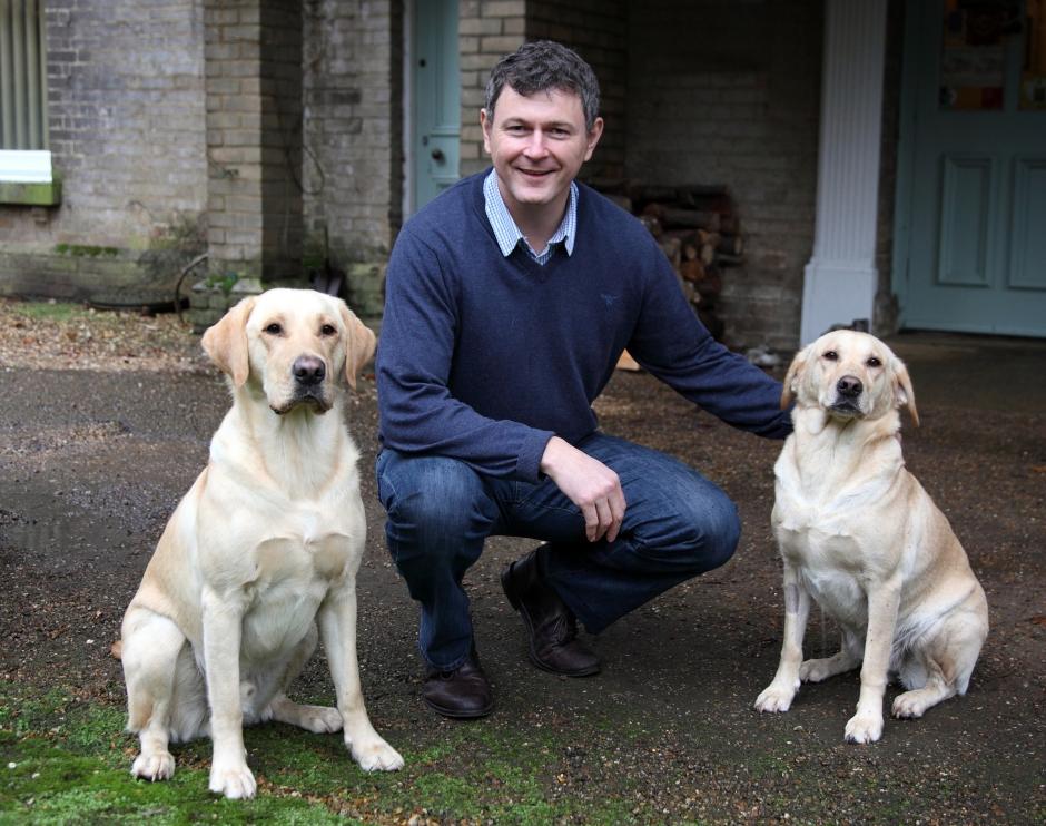 Craig Taylor junto a Reg y Eva