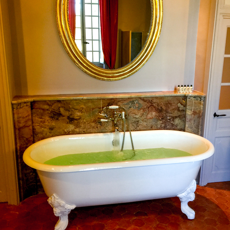 Baño de inmersión en la suite Pierre Robineau de Beaulieu.