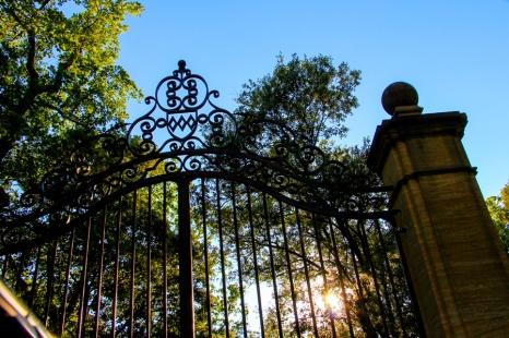 Entrando a Villa Baulieu.