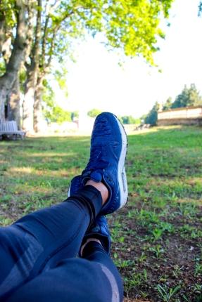 Descansando después de correr con NIKE.