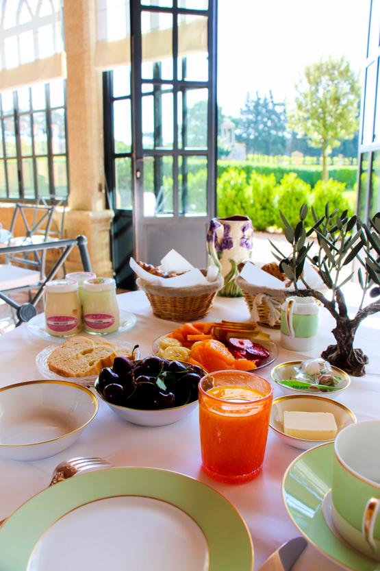Desayuno slow food en L'orangerie de Villa Baulieu.