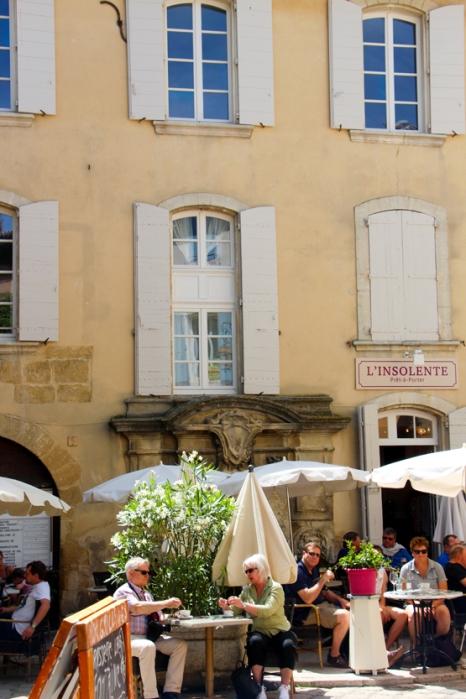 Plaza de Lourmarin, el pueblo donde vivió Albert Camus.