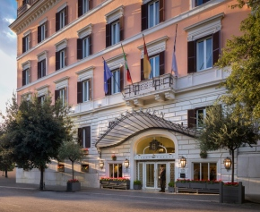 Hotel Eden.