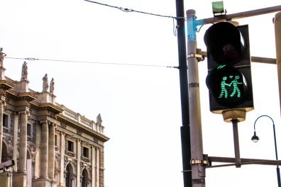 Curioso semáforo de peatones.