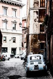Roma vintage con el FIAT 600.