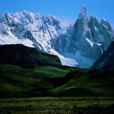 Copyright: Darren Almond. Darren Almond, Fullmoon@Cerro Torre, Patagonia 2013. TASCHEN.