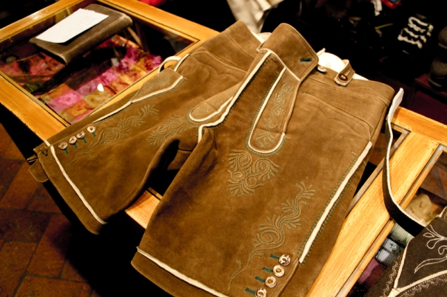 Pantalones de hombre del traje típico.