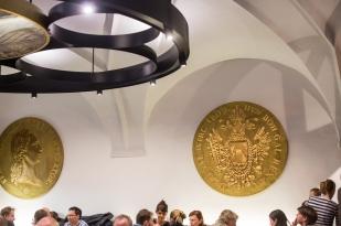 Una decoración fascinante, aquí dos de los ducados dorados y gigantes de sus paredes.