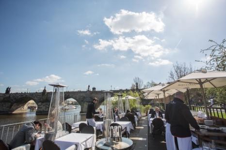 La mejor terraza de Praga está en Kampa.