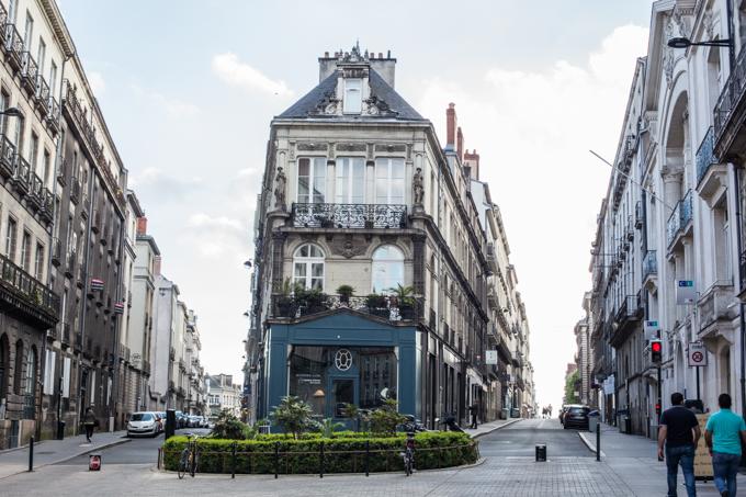 Rue Voltaire tiene la esquina más bonita de la ciudad.