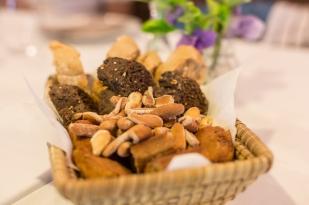 Surtido de PANES 100% artesanos elaborados en la propiedad con harinas ecológicas de espelta y trigo negrillo.