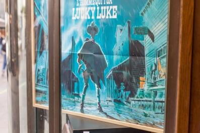 En el escaparate, Lucky Luke, la famosa historieta franco-belga.