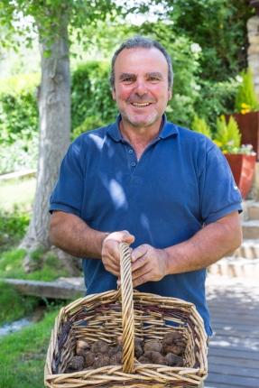 José María, proveedor de trufas del restaurante de Samuel Moreno.