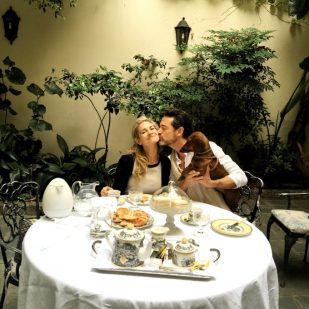 Tomando el té con nuestra amiga Lily Sciorra en su casa de Buenos Aires.
