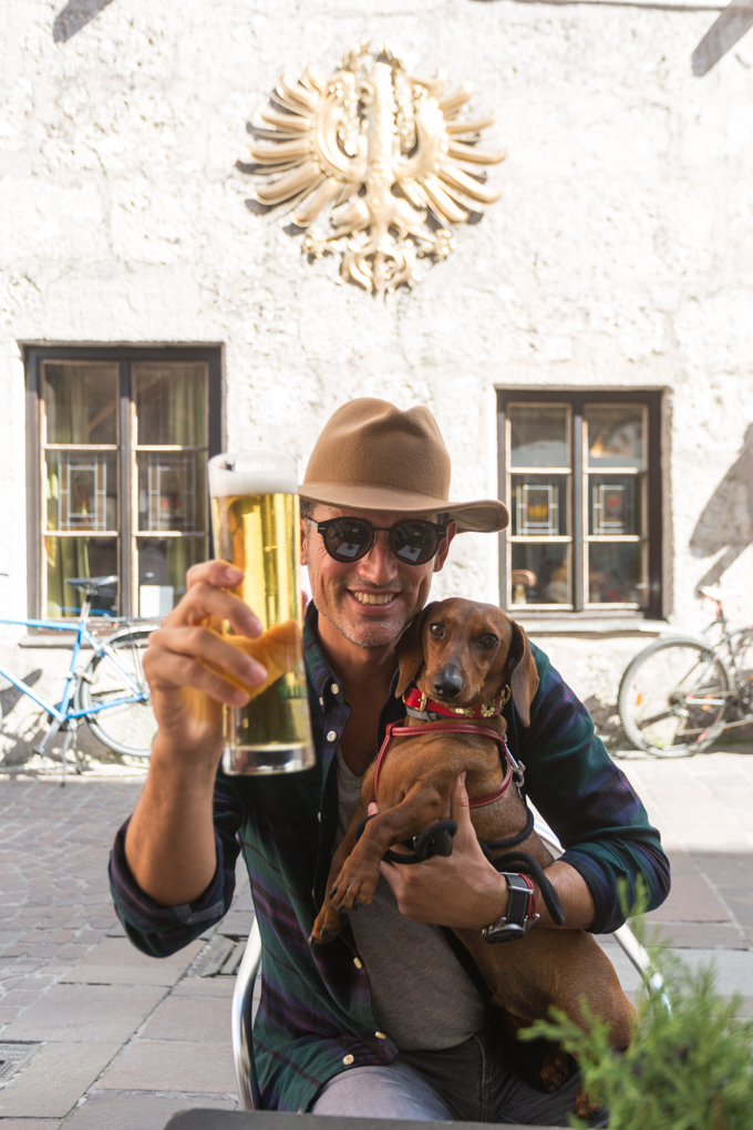 Brindando por Austria dog friendly.