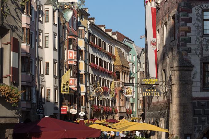 Herzog-Friedrich-Straße, una de las calles más bonitas de Innsbruck.