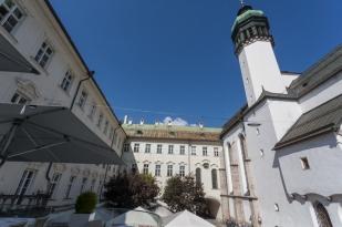 Vista del museo del Tirol desde la terraza de Il Convento, el mejor restaurante italiano de la ciudad.