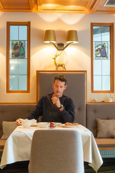 Desayunando en el hotel Innsbruck.