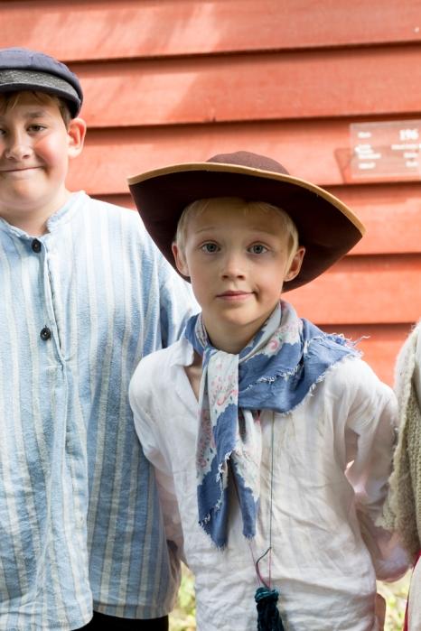 Niño noruego y su traje tradicional.