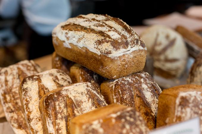 Panes artesanales de levadura madre y sin gluten.