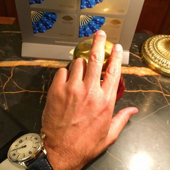 En este viaje; mi Papá estrena reloj, es de la relojera suiza FREDERIQUE CONSTANT.